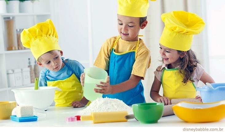 Cozinhado com os netos, cozinhando com os filhos