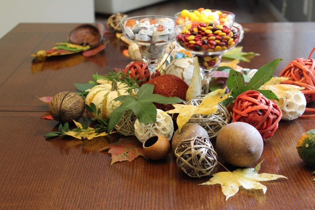 Thankgiving table decoration fall outono decoracao mesa candy balas