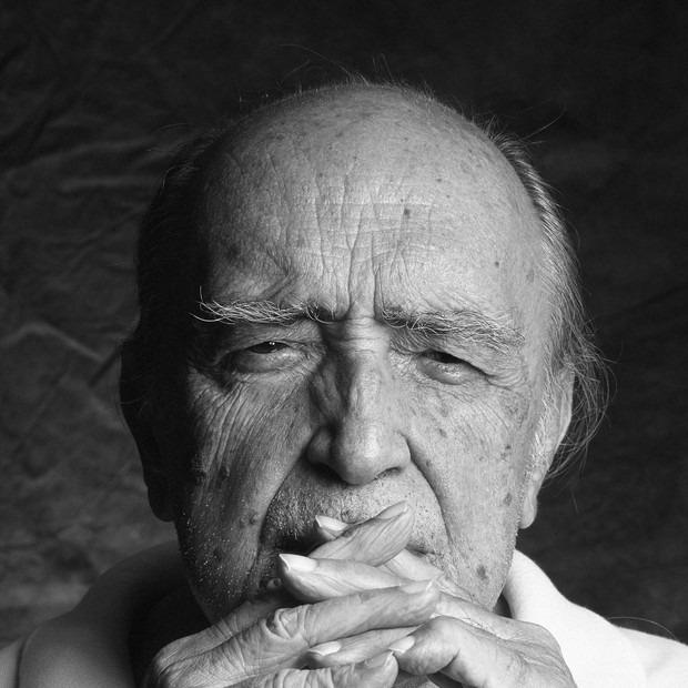Oscar Niemeyer homens maduros carreira