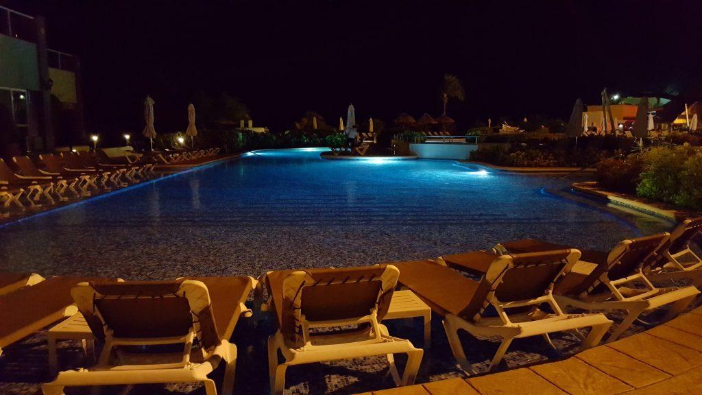 É indescritível a quantidade de cantos e recantos que estas piscinas fazem!
