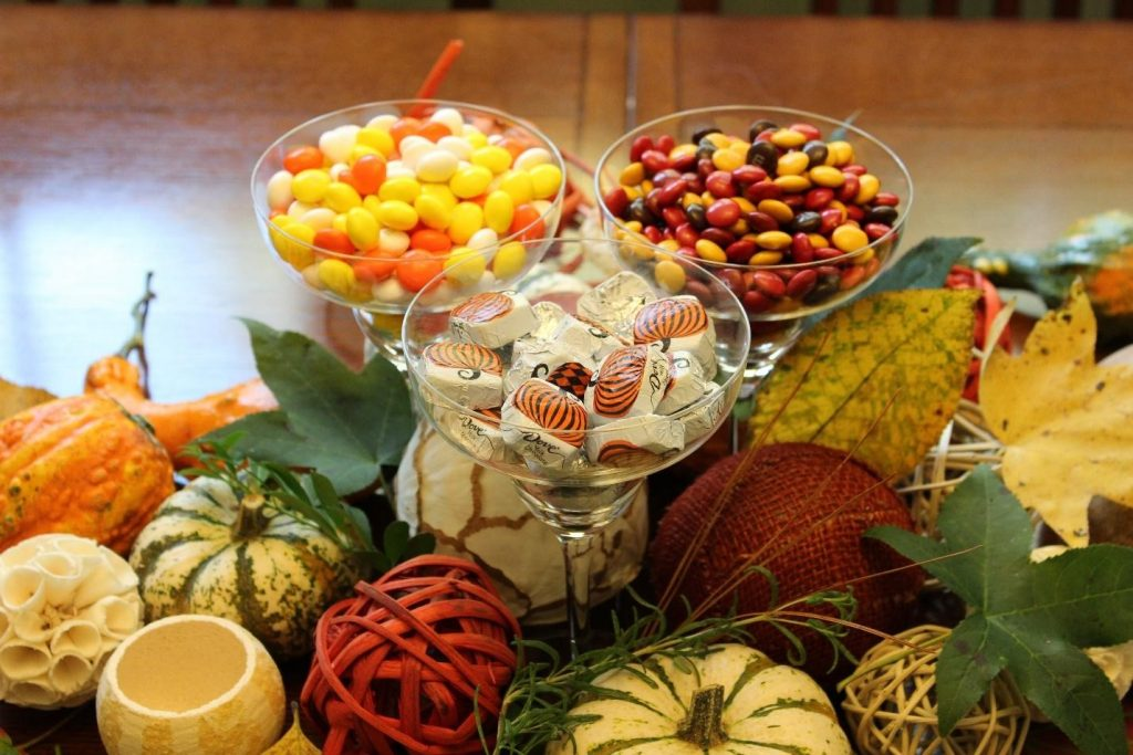 Thanksgiving table decoration candy mesa decoracao balinhas acao de gracas outono